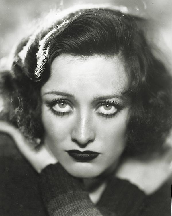 joan_crawford_1930_freckles_close_up.jpg